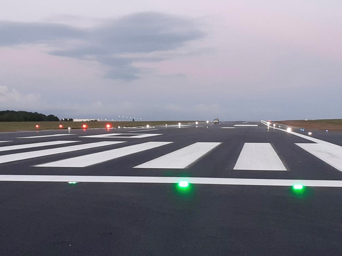 How to select the right Airfield Ground Lighting solutions for your airport?
